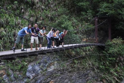wun tian siang tianxiang taiwan taroko hualien suspension bridge puente colgante