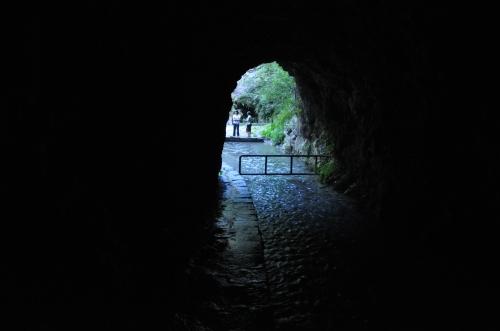 wun tian siang tianxiang taiwan taroko hualien cave curtain water