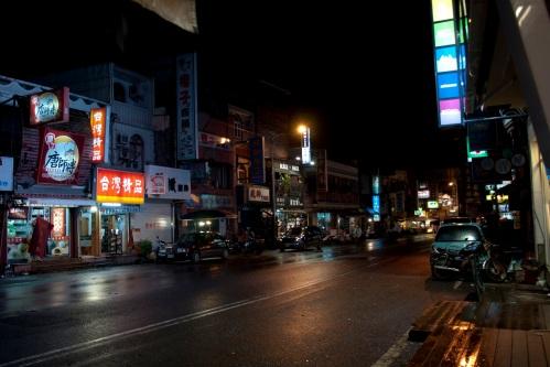 kenting, ken ting, floods, typhoon, tembin, taiwan, south, inundaciones, night, market
